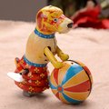Hecho a mano Clásico Perro Play Ball Circo Juguetes de Hojalata de Colección Retro Estaño Clockwork Juguetes Vino Decoración de La Barra