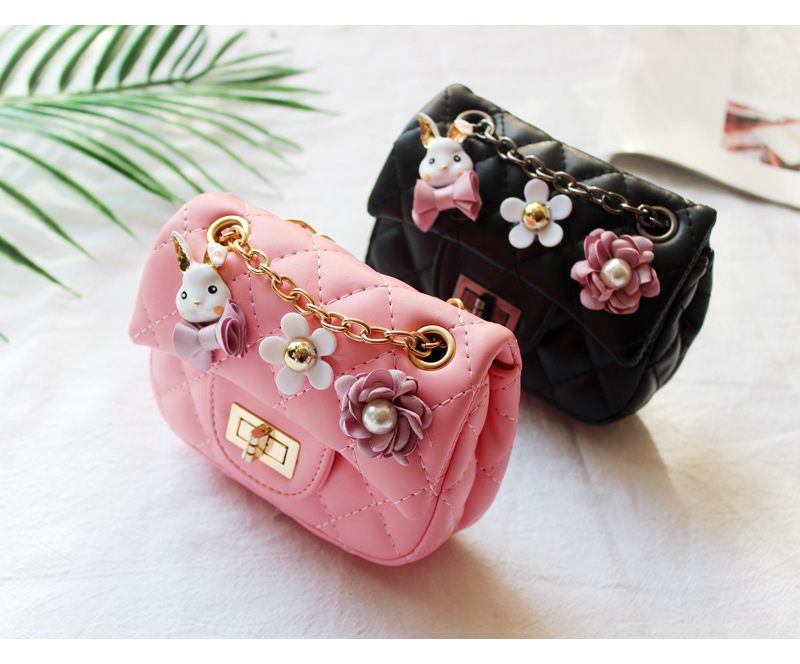 ed41c91e7a22 Korean Kids Mini Clutch Purse Handbags Flowers Girls Messenger Bag Kid  Princess Pearl Crossbody Bags Baby Party Handbag Gift