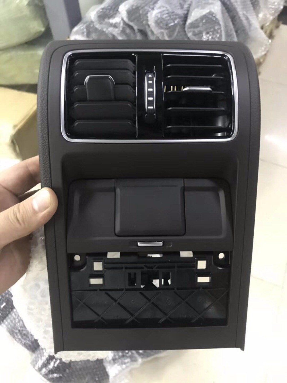 For Volkswagen VW Passat B7 CC rear air outlet