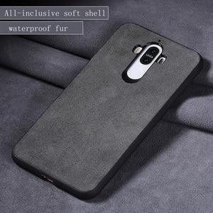 Image 2 - Wangcangli marka wszystkie ręcznie robione oryginalne futro telefon etui na Huawei Honor V10 wygodny w dotyku All inclusive etui na telefon