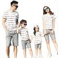 Новый Летний полосатый Семья Соответствующие Наряды хлопок мать Девушки отца Мальчик одежды наборы футболка + шорты Брюки Серый