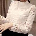 Alta Calidad 2017 Del Otoño Del Resorte de Las Mujeres Patrón de La Blusa O Cuello de manga Larga Delgado Hueco Elegante Camisas Blusa de Encaje Blanco para Mujer