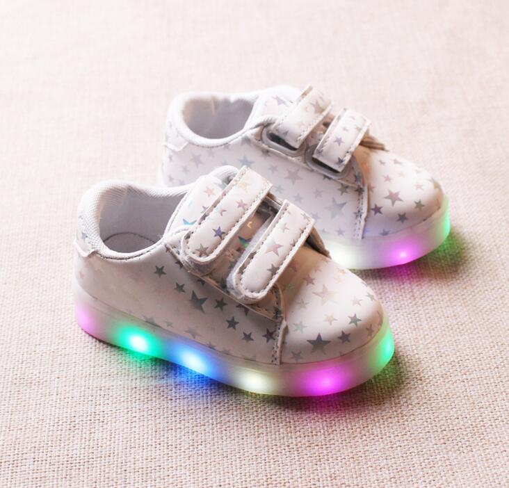 Kids sneakers 2017 new spring autumn boys and girls colorful light shoes LED flash children shoes