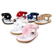 2017 New designs floral Baby sandals T type Hot sale Pu leather-based Baby moccasins youngster Summer women sandals Infant footwear