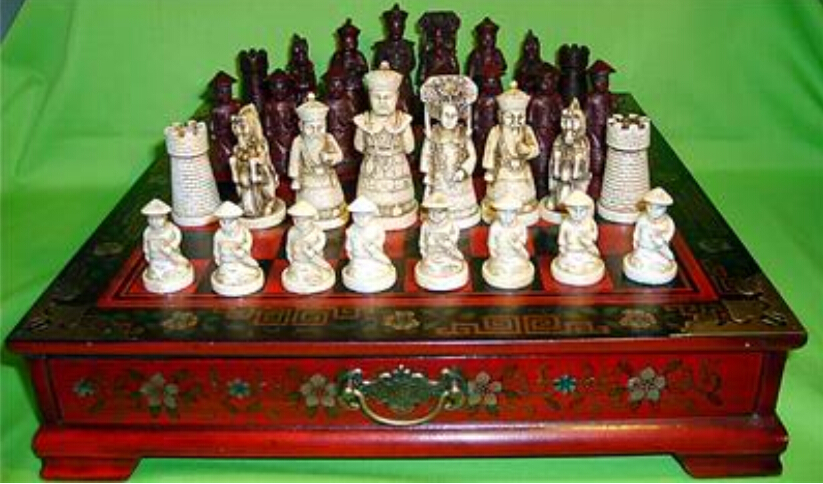 Collectibles Vintage 32 chess set with wooden Coffee table Free shipping