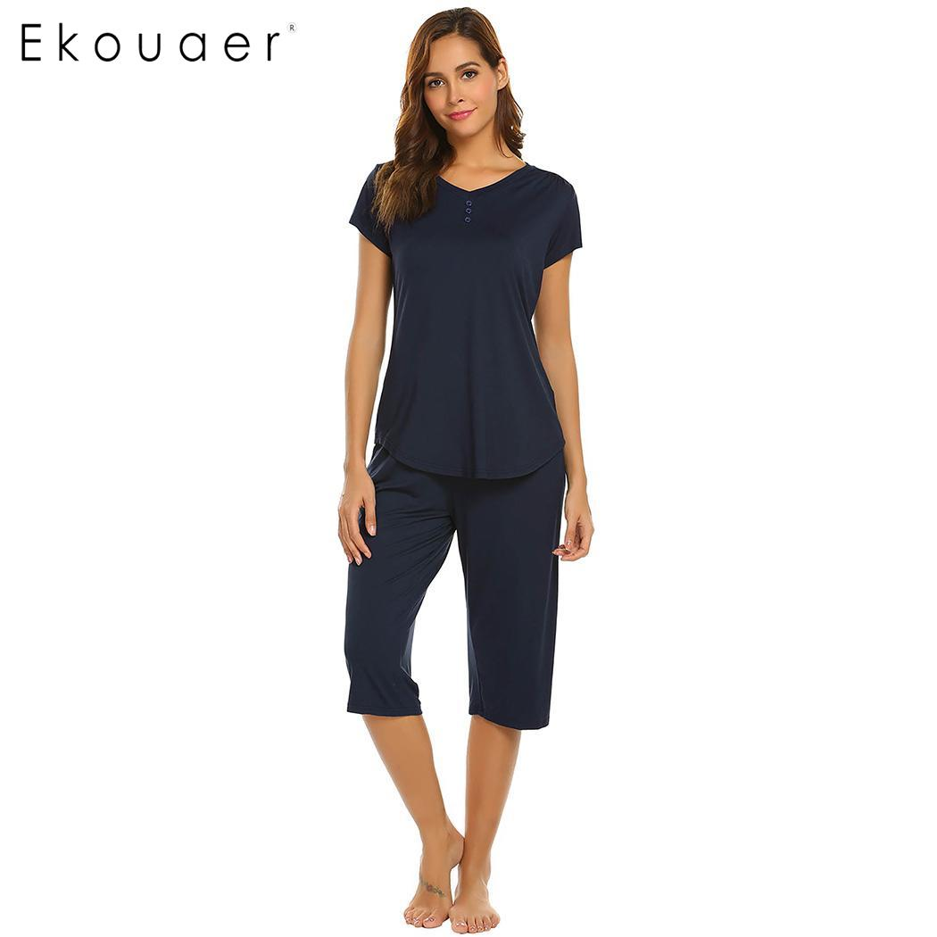 Ekouaer Women Pajamas Set Nightwear Solid V-Neck Short Sleeve Tops And Half Length Pant Sets Sleepwear Female Soft Home Clothing