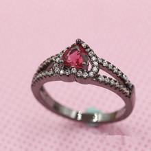 Fashion Jewelry Women Men Top Quality Heart Cubic Zirconia Red Crystal Rings Black Gold-Filled Engagement / Wedding Ring