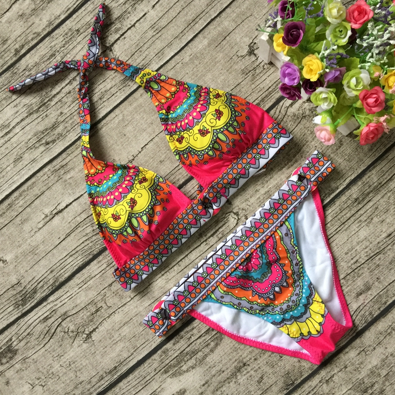 New 2017 Cute Push Up Bikinis Set Women Swimwear Brazilian Female Sexy Halter Floral Print BathingSuit Beachwear Maillot De Bain