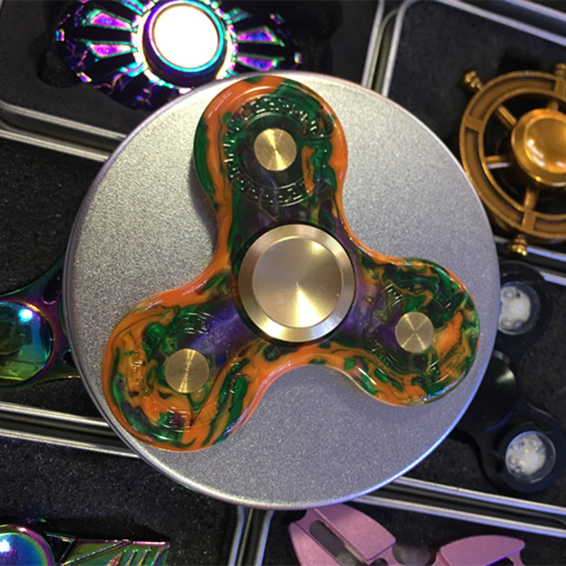 New brand Hand Spinner Tri Spinning Top Decompression Finger Spiner Toys High quality bearing Spinner Fidget