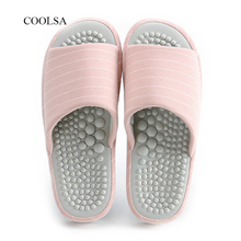 COOSA/новинка сезона; качественные женские массажные тапочки для ног; домашние тапочки для пар; массажные шлепанцы для здоровья; бесшумные сандалии в полоску