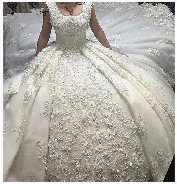 Luxurious Vestido De Noiva 2019 Muslim Wedding Dresses Ball Gown Lace Crystals Flowers Turkey Dubai Arabic Wedding Gown Bridal