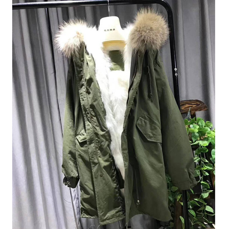 2018 Fashion Women Luxurious Large Raccoon Fur Collar Hooded Coat Warm Fox Fur Liner Parkas Long Wnter Jacket Top Quality WT020