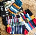 10 UNIDS = 5 pares para hombre calcetines de rayas de color hombres calcetines otoño y primavera calcetines de algodón CALCETINES de RAYAS TRAJE de LA MANERA DISEÑADOR de COLOR