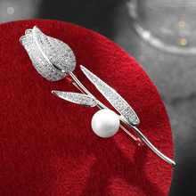цена на Vintage Pearl Brooch Crystal Tulip Rose Pin High Quality Cubic Zirconia Brooches Pins Flower Jewelry broches de mulheres de lux