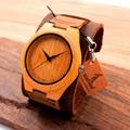 Los nuevos Hombres Del Diseño De Bambú Pulsera Con Amplia Banda de piel de Vaca Genuino para Los Hombres y Mujeres de Lujo de Madera Reloj de pulsera como Regalo