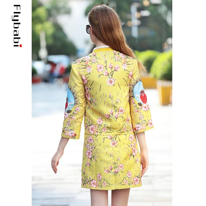 Высокое качество блестками жаккард золотой желтый принт красное сердце кнопки летают короткое пальто выше колена мини половина юбка женские наборы 2018 - 2