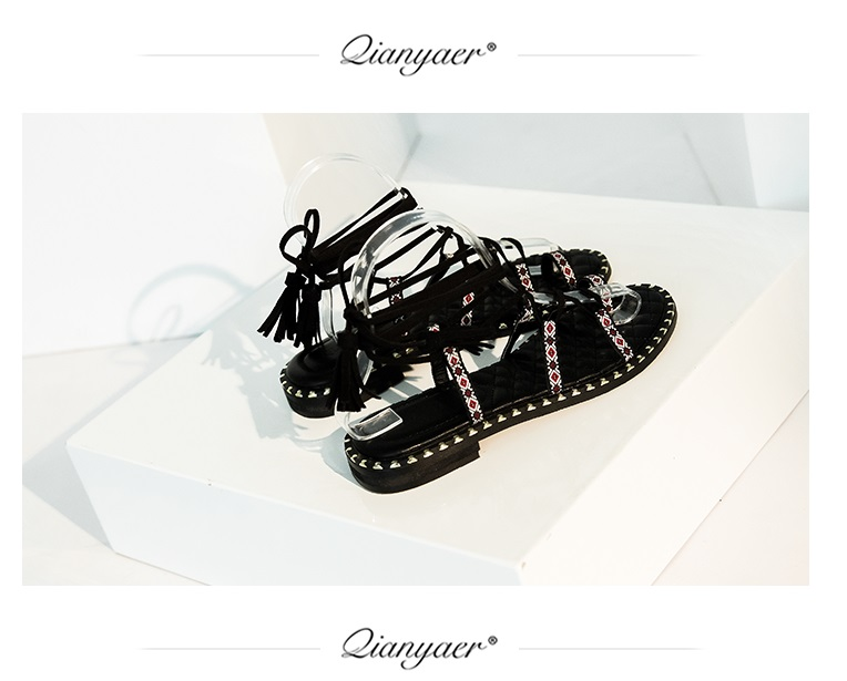 2018 Summer hot women sandals cross tied gladiator shoes geometric fringe rome shoes