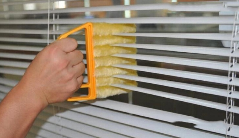 Hot Arrival Vertical Window Blinds Brush Cleaner Mini 7 Shape Hand Held Window Brush Novelty Households Cleaning Fashion