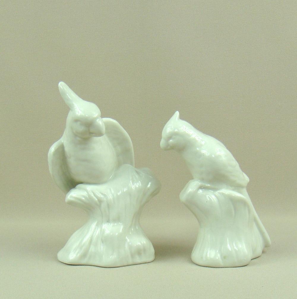Loro porcelana escultura hecha a mano cerámica Macaw miniatura ...