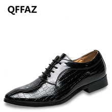 QFFAZ Men Shoes Patent Leather Formal Dress Fashion Snake Skin Desinger Italian Glossy Male Pointed Toe Brogue Oxford Men Shoes