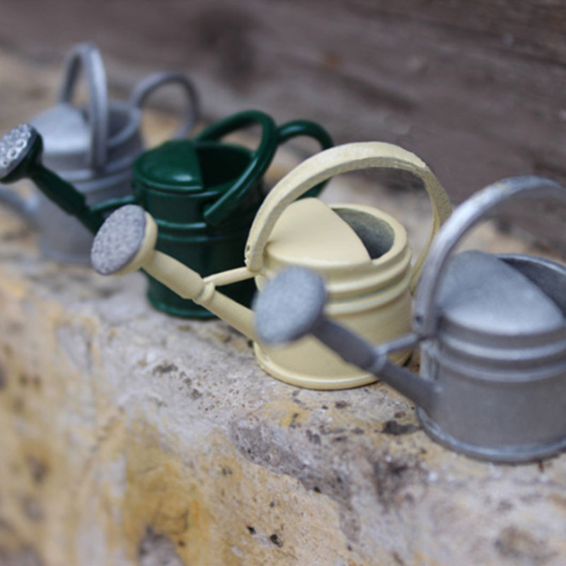 1:12 Metal Dollhouse Miniature Watering Can Handicrafts Model Dollhouse Decoration Dollhouse Accessories Classic Baby Toys