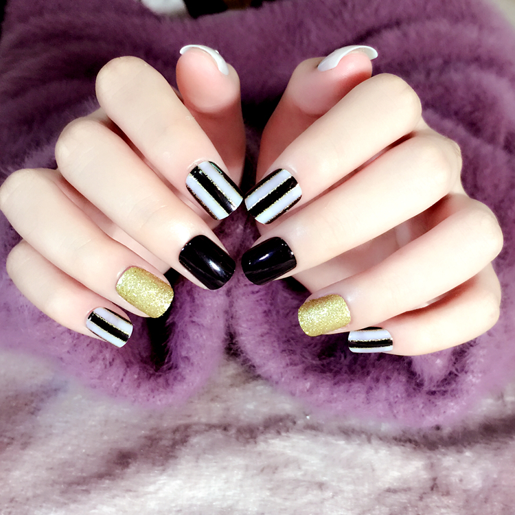 Black Golden Stripe Short Nail Tips 24pcs Oval Cute Fake Nails in ...