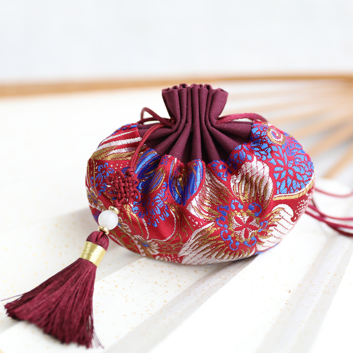 Cotton High Quality Splice Retro Flower Series Palace Sachet Bag Tassel Jewelry Bags Car Hanging Decoration Gift Bags