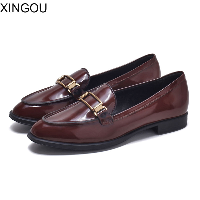 Fashion 2018 new style of retro fashion women's shoes Casual Brogue Shoes women's leather shoes Low-heeled British women's flats fashion style