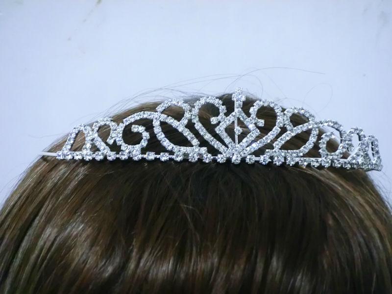 HTB1RoS2IVXXXXc.XXXXq6xXFXXXh Brilliant Bridal/Prom/Cosplay Rhinestone Crystal Crown - 18 Styles