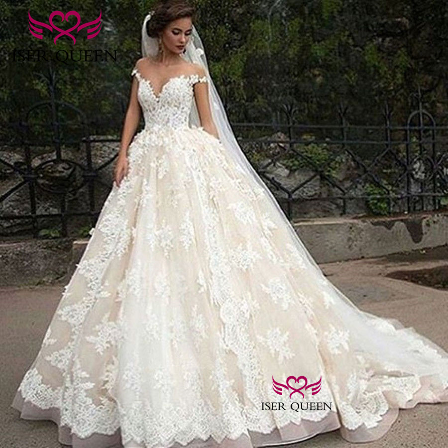 Sheer Neck Dubai 2019 Wedding Dress Ball Gown Plus Size Lace Appliques Custom Made Vintage Wedding Gowns Court Train W0494