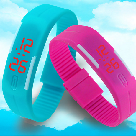 Hot Sale New Fashion LED Bracelet Digital Watches Men Ladies Child Clock Women's Bracelet Watches Rubber Sports Wristwatch Saat
