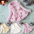 Alta Calidad de Las Muchachas Muchachas de La Manera Outwear Coat Faux Fur Fleece Niños Abrigos de Invierno Decoración de La Perla Para Niños Chaquetas Para Niñas