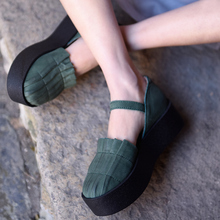 Artmu Original Retro Womens Sandals Genuine Leather Thick Sole Buckle Platform Handmade Round Toe Shoes Coffee / Green 1621