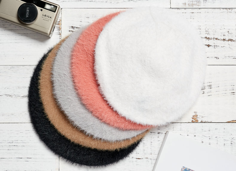 hat female