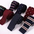 Tejer Lazos para Los Hombres 2017 Nueva Moda de Punto Plano el Delgado 6 cm Mens Lazos de Punto Estrecho Sólido de Punto A Rayas Corbata gravata delgada