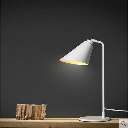ФОТО New Iron Rotatable Modern Simple LED Desk Lamp Personality Concise Table Lamp For Home Lightings Cafe Bar Luminaria De Mesa