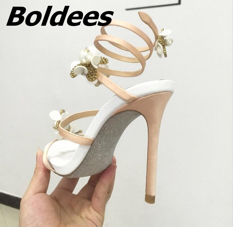 Boldees Мода цветы украшены кристаллами Римские сандалии Для женщин Высокие каблуки знаменитости в том же со стразами платье сандалии - 4