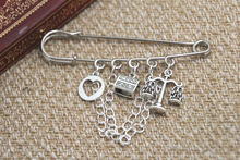 12pcs Shakespeare inspired Merchant of Venice themed charm with chain kilt pin brooch 50mm