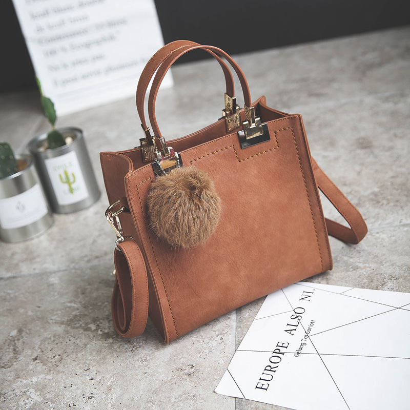 NEW HOT SALE handbag women casual tote bag female large shoulder messenger bags high quality PU leather handbag with fur ball 2017 new clutch steam punk female satchel handbag gothic women messenger bags shoulder bag bolsa shoulder bags tote bag clutches
