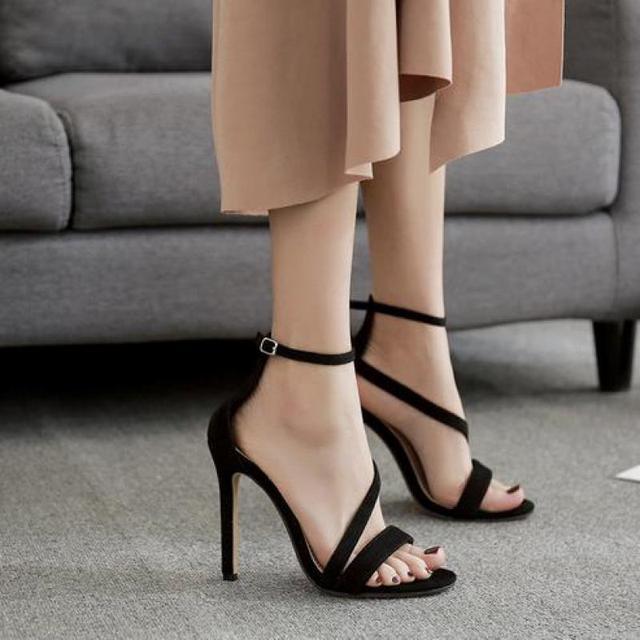 Odinokov mujer plataforma Sandalias Super Tacones altos femenino impermeable  transparente cristal Zapatos sandalia feminina 7175ff8a61a3