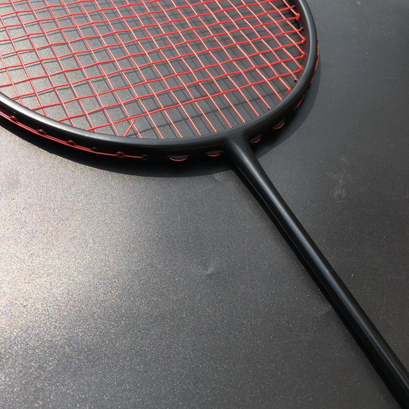 1 Piece Light Badminton Racket 100% Carbon Fiber Badminton Racquet Urltra-Light 4U 82g Free Shipping