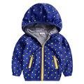 Viento muchacho capa resistente al desgaste 2016 la primavera y período de otoño y la ropa de los niños del bebé chaqueta de punto abrigo de otoño