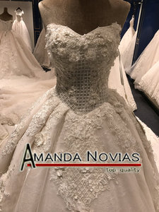 Image 2 - 2019 New Arrival Big Trail Sweetheart Unique Lace Wedding Dress Amanda Novias Real Pictures