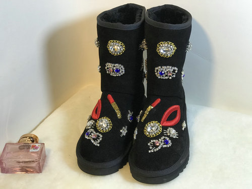 2018 winter snow boots ladies embroidered Red lips flats shoes round toe Luxury rhinestone boots Keep warm Handmade women shoes rhinestone lips ring