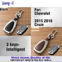Couvercle de la lampe de voiture en cuir + en alliage de Zinc Métal clés sac chaîne de clé de cas Portefeuille partie Intelligente 1 pcs pour Chevrolet 2015 2016 Cruze