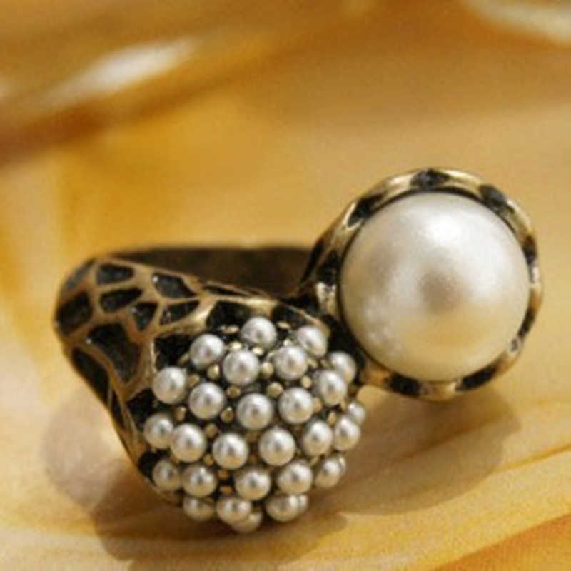 European and American trade totem art  Asymmetric retro imitation pearl ring  2019 HOT