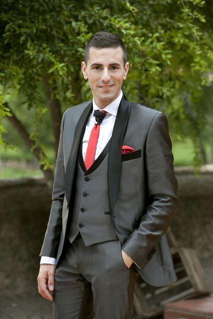 f11e7d768bd5 New Tailored Smoking Grey Satin Suit Men Slim Fit 3 Piece Groom Wedding  Suits Custom Blazer Prom Tuxedo Ternos Jacket+Pant +Vest