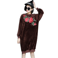 Fashion Velvet Sweatshirt Dress Women 2017 New Spring Vintage Floral Embroidery Plush Thicken Warm Loose Dresses