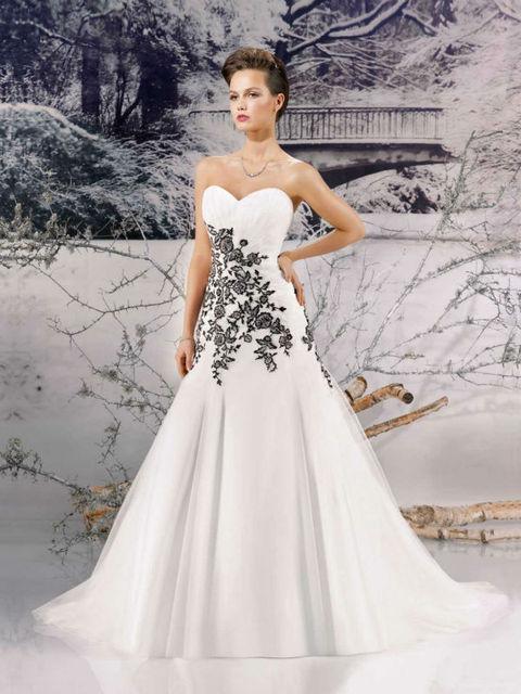 Designer Fashionable A line vintage wedding dress vestido White And ...