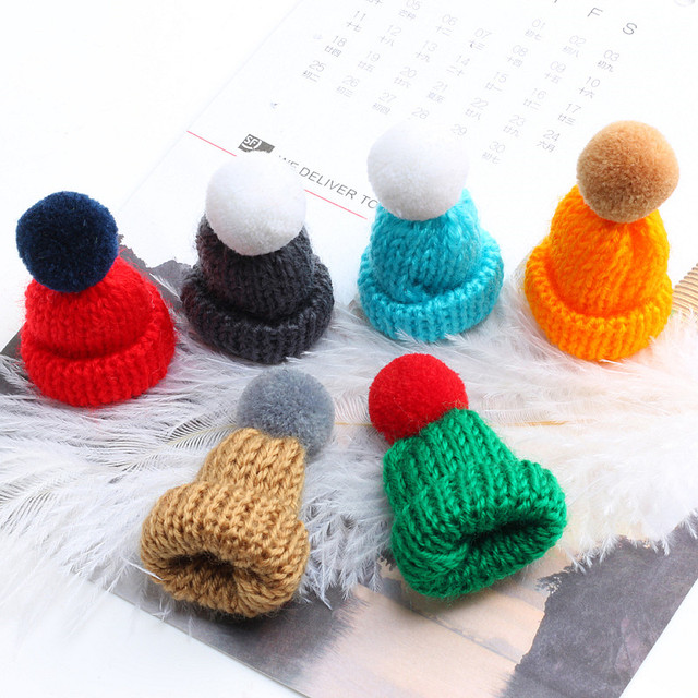 19 Color Cute Mini Knitted Hairball Hat Brooch Sweater Pins Badge 1